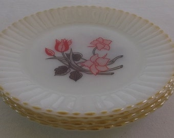 Vintage Milk Glass Dinner Plates, Milk Glass, Termocrisa Tulip, Mexico, 4 Pieces