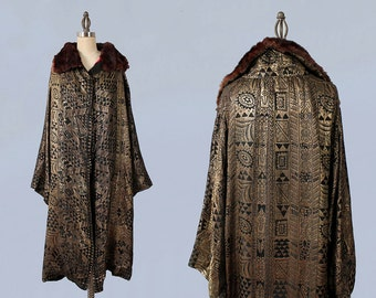 1920s Flapper Coat / 20s EGYPTIAN REVIVAL Lamé Coat / Opera Coat / Fur Collar / MUSEUM
