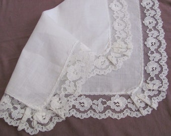 Vintage Solid White Cotton Lace Trimmed Hankie - Unused