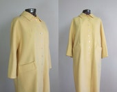 Vintage 1960s Yellow Boucle Wool Coat. 60s Yellow Car Coat. Size Large