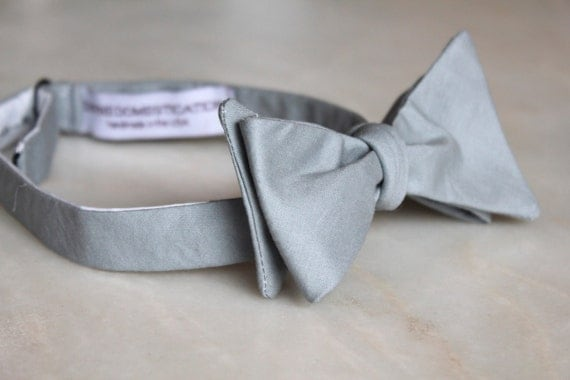 Bowtie in silver gray linen- clip on, pre-tied adjustable strap, or self tying - wedding party, ring bearer outfit, groomsmen gift