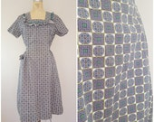 Vintage 1940s Dress / Cotton Novelty Print Dress / Lavender Geometric / Large XL