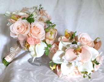 Wedding bouquets corsages and boutonnieres shades of blush