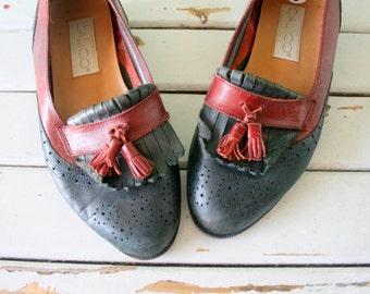 Vintage DESIGNER LOAFERS....size 6 women...oxfords. loafers. designer. red leather. closed toed. shoes. flats. mod. librarian. tassled shoes