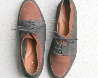 1980s BASS LOAFERS...black. brown. womens. designer. shoes. loafers. mod. oxfords. urban. indie. bass loafers. secretary. nautical. lace ups