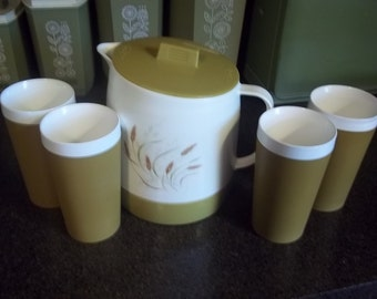 Vintage Thermo Serve Insulated Drinking Pitcher and 4 Glasses By Quickirt Ultrasonically sealed