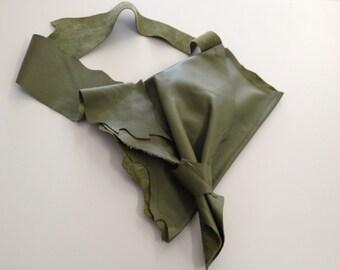 Short Shoulder Leather Purse_Olive