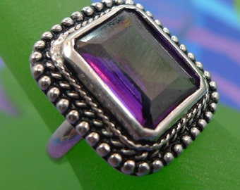 Size 7 Ring : sterling 925 silver Grape Juice Purple Stone signed NF Thailand