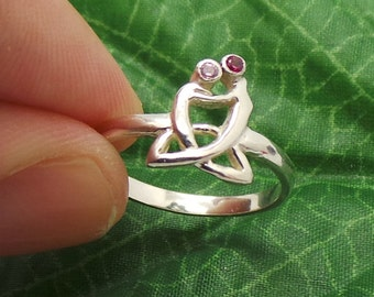 Mother and Child Ring Celtic Trinity Knot Ring - Mom Gifts - Mother's Day Jewellery - New Mommy Gifts - Gift ideas for mums - Spring Season