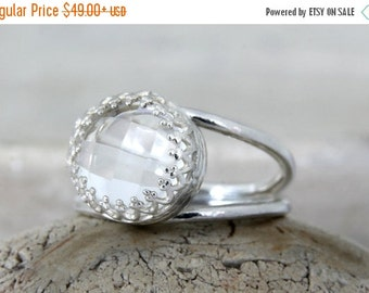 SUMMER SALE - crystal quartz ring,reflective ring,sterling silver ring,everyday ring,clear quartz ring,delicate ring,gemstone ring