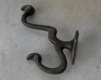 DOUBLE IRON HOOK Vintage Iron Coat & Hat Hook Western Look 4 Hanging Holes American Primitive Iron Work Early 1910-30's Free Shipping!