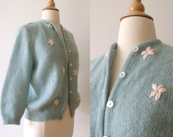 1950s Wool Blue Sweater with Flowers / 50s Hand Knit Wool Sweater
