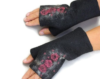 Felted Fingerless Gloves Fingerless Mittens Arm warmers Wristlets Merino Wool Black