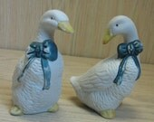 Salt & Pepper Shakers Ceramic Old Fashion White Ducks Blue Bows With Stoppers