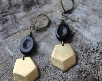 BO-808 Boucles d'oreilles géométriques chevron // Geometric earrings, chevron earrings
