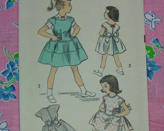 Vintage Pattern c.1940's Advance No.6133 Girls Pinafore Dress,Jumper, Apron, Size 8