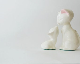 Vintage Mom and Baby Cat Figurines