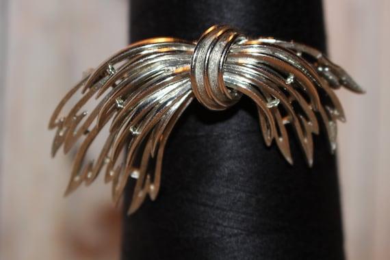 Vintage Lisner Silver-tone Sheath Brooch Vintage pin