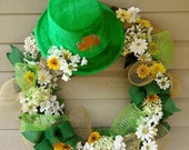 St. Patrick's Day Wreath Green hat with gold clover, gold green netting white yellow sunflowers