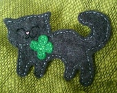 Felt Cat, lucky clover brooch, Handmade cat pin.  St Patricks Shamrock Accessory. Good luck gift for cat lovers!
