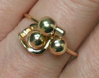 Vintage Ring: Soviet 583 Rose Gold, 3-Ball Abstract Trilogy. No Stone. Riga, Latvia. Size 6 1/2