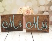 Mr and Mrs Table Signs Rustic Elegance Wedding Sign Glitter Mr and Mrs Signs #DownInTheBoondocks