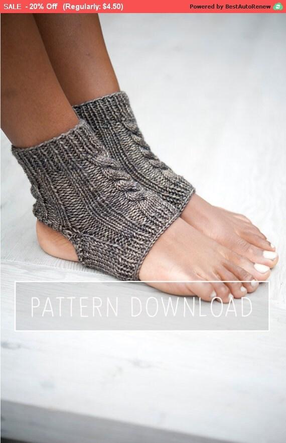 KNITTING PATTERN // Yoga Socks // Yoga Sock Pattern // Knit