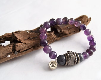 AMETHYST GREY JADE Stretch Bracelet with Hill Tribe Silver Flower Charm and Gunmetal Accent Beads