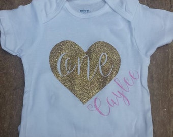 Personalized Glitter Heart Onesie-FIrst Birthday Onesie-Smash Cake Outfit