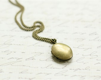Bronze Bridesmaid Locket - Flowergirl Locket - Brass Locket - Wedding Locket -Flower girl -Vintage Wedding  - locket necklace - Gift