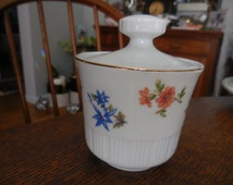 Vintage Colditz Pottery Made in Germany Democratic Republic 1950s to 1960s White Sugar Bowl/Dish Cover Small Flowers/Floral 81 Cottage Chic