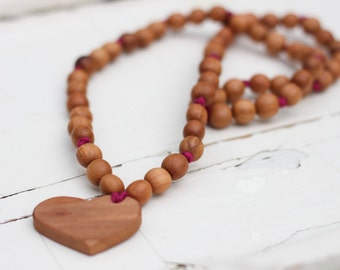 Heart Mala Mommy Necklace / Teething Necklace / Breastfeeding and Babywearing Jewelry - Apple Wood