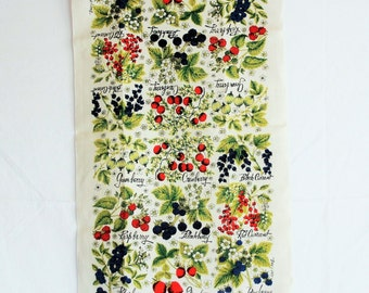 Retro 50s or 60s pure linen kitschy kitchen towel / fruits & berries home decor / Kay Dee handprint Lois Long design USA / oversized unused