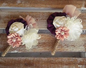 Men wedding boutonniere,  groom boutonniere, rustic boutonniere, purple boutonniere, wedding buttonhole, lapel flower, groomsman boutonniere
