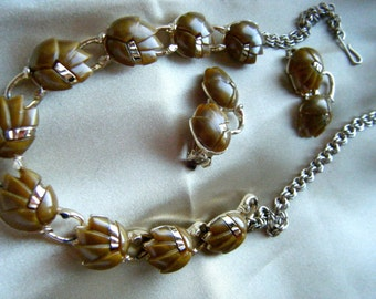 Thermoset Necklace and earrings // Mid century Demi Parur//Caramel Colored// Fall Accessories