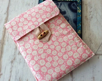 Kindle Paperwhite cover pink and white floral