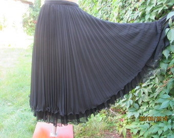 Long Skirt / Long Pleated Skirt / Pleated Skirt Maxi / Germany Skirt / Black Pleated Skirt / Size EUR 42 / UK14 / Circle Pleated Skirt