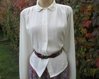 Blouse Vintage / EUR46 / UK18 / Ivory / White / Cream / Buttoned in Front / Nice Poly