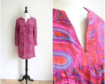 Vintage mod hot pink paisley mini dress / long sleeve retro bright tunic dress / hippie dress