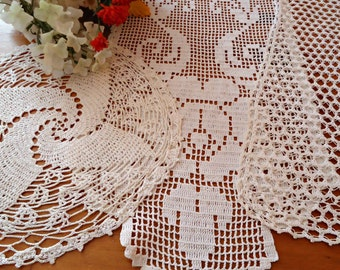 3 Crocheted Doilies Crocheted Doilys  Ecru Vintage Doilys Doilies  Lot  B270