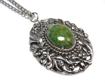 Vintage Green Jasper Silver Floral Motif Necklace