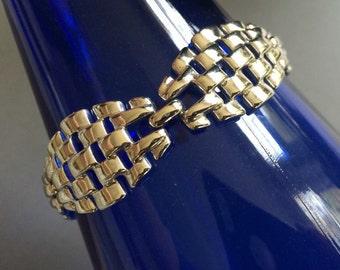 Signed Lisner Classic Shiny Decorative Silvertone Link Bracelet