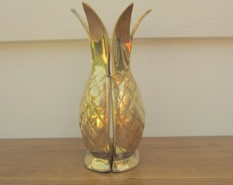 Brass pineapple centerpiece vase.  Pineapple bookends.  Brass pineapple welcome decor.