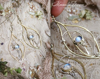 Fay Leaf Swirls Moonstone Earrings