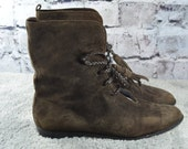vintage Saks Fifth Avenue womens brown suede ankle lace up pixie boots 8.5B