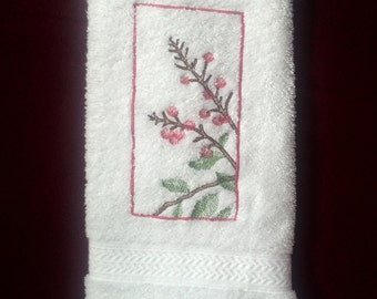 Berry Branches Embroidery, Berry Branches Bath Towel, Berries Home Decor, Berry towel, Berries bath towel
