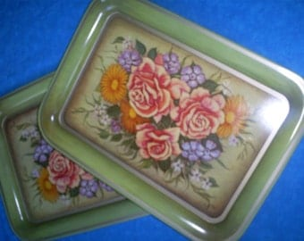 Set of 2 Vintage Roses/Floral Metal Trays