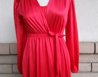 Vintage 70s Red Peignoir Set . Red Nightgown and Robe by Kayser Size Small