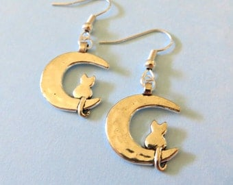 Sailor Moon Luna Earrings Jewelry Cat on the Moon Silver Tone Anime Manga Usagi Serena Artemis Kawaii Crescent Moon Cute