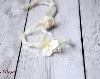 Newborn Headband, Newborn photo prop, Baby photo prop, Ivory flower headband, Cream flower headband, Newborn tieback